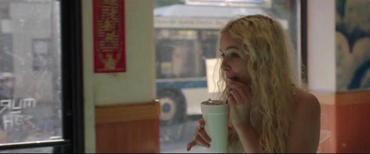 Sıcak Yaz Filmini indir TR Dublaj Ekran Görüntüsü 2