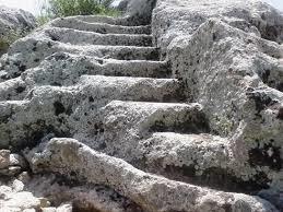 Merdivenle İnilen Mağarada Çıkabilir