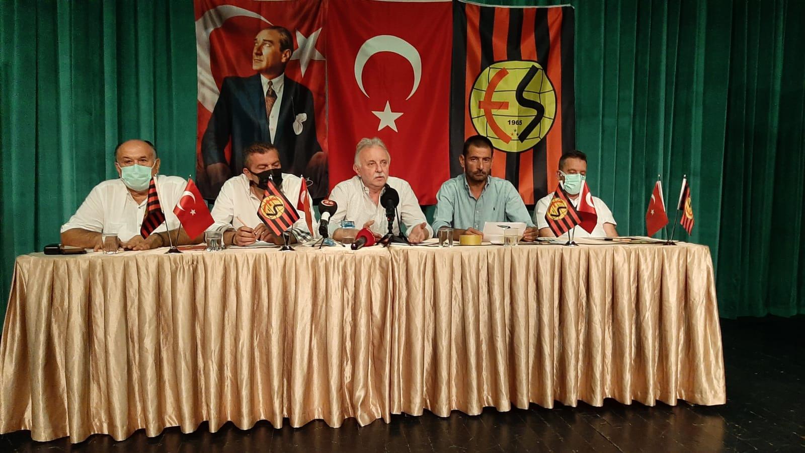 Eskişehirspor'un kaç imzaya daha ihtiyacı var?