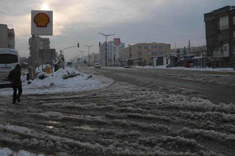Mut'ta kar yaşamı felç etti