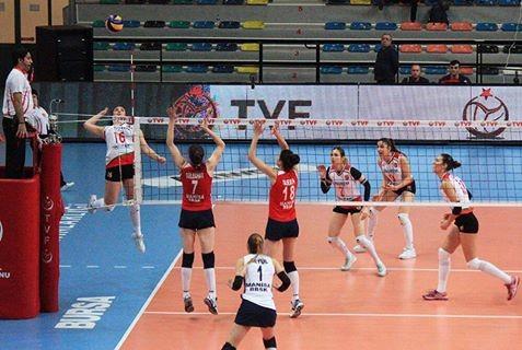 Karşıyaka Play - Off Yarı Final ilk maçında Manisa B.Şehir Bld.'ye 3 - 1 mağlup oldu.