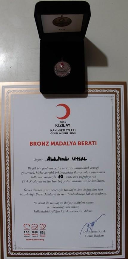 Yunak Kızılay Ödül Madalya Plaket Abdülkadir Uysal
