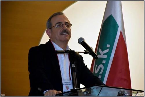 Adalet ve Kalkınma Partisi İzmir Milletvekili Kerem Ali Sürekli, kongrede,