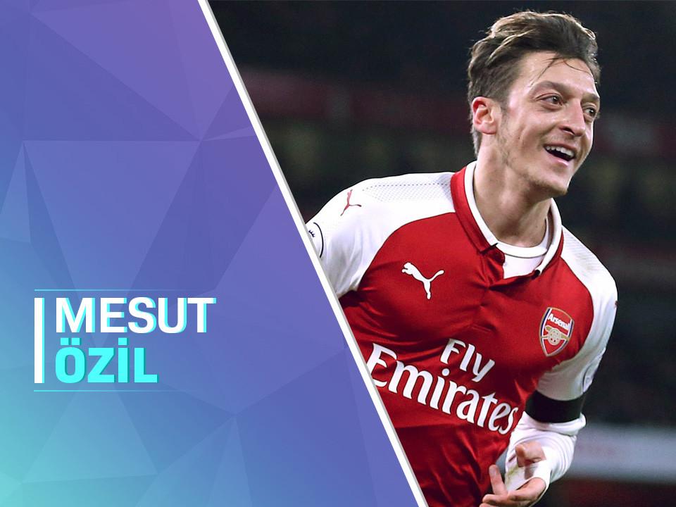 Arsenal futbolcusu Mesut Özil ilk twitch canlı yayınında fortnite oynamıştır.