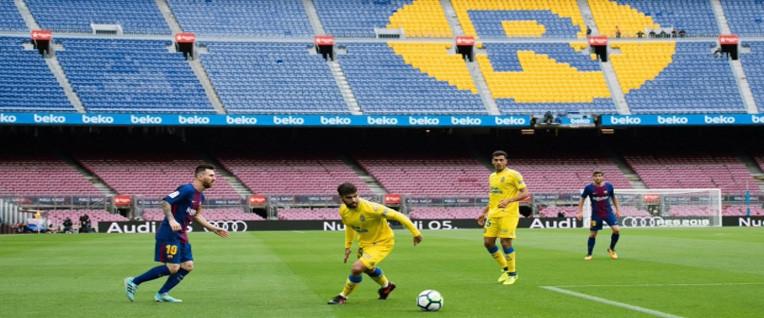 Seyircisiz maçta kazanan Barça!