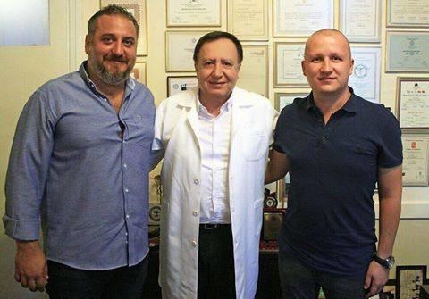 Voleybol Şube Başkanımız Serkan Ergüven ve Genel Menajer Halis Özlütürk, Doktor Bülent Zeren'i Spor Hekimliği Merkezinde ziyaret ettiler.