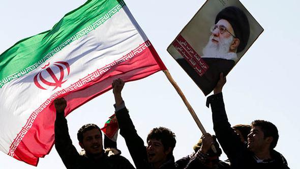 İran qarışdı: Rədd olsun Ruhani dedilər