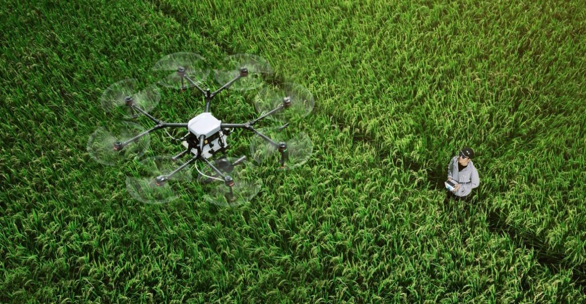 ÇİFTÇİLER VE TARIMSAL DRONELAR