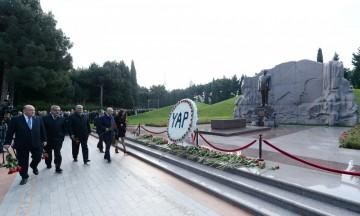 Yeni Azərbaycan Partiyasının yaradılmasından 25 il ötür
