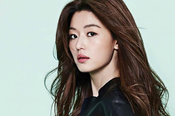 Jun Ji-Hyun'un Bir Oğlu Oldu