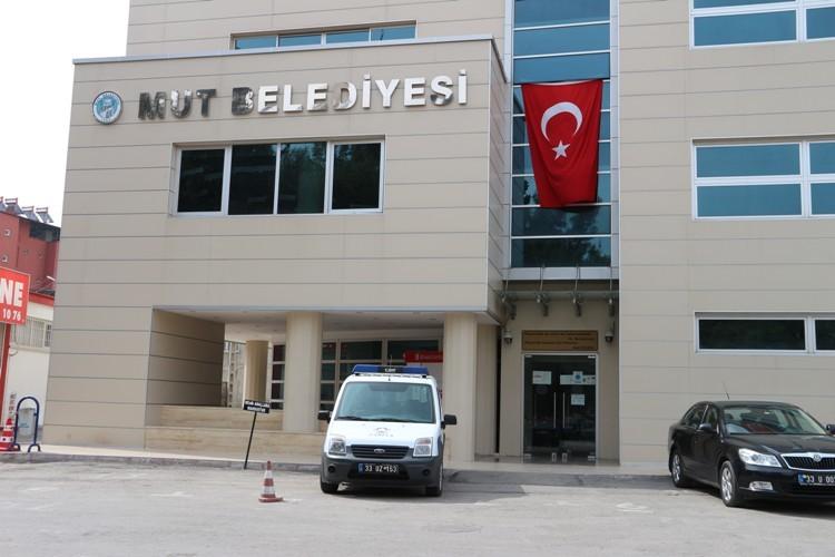 FETÖ operasyonu Mut Belediyesi'ne sıçradı