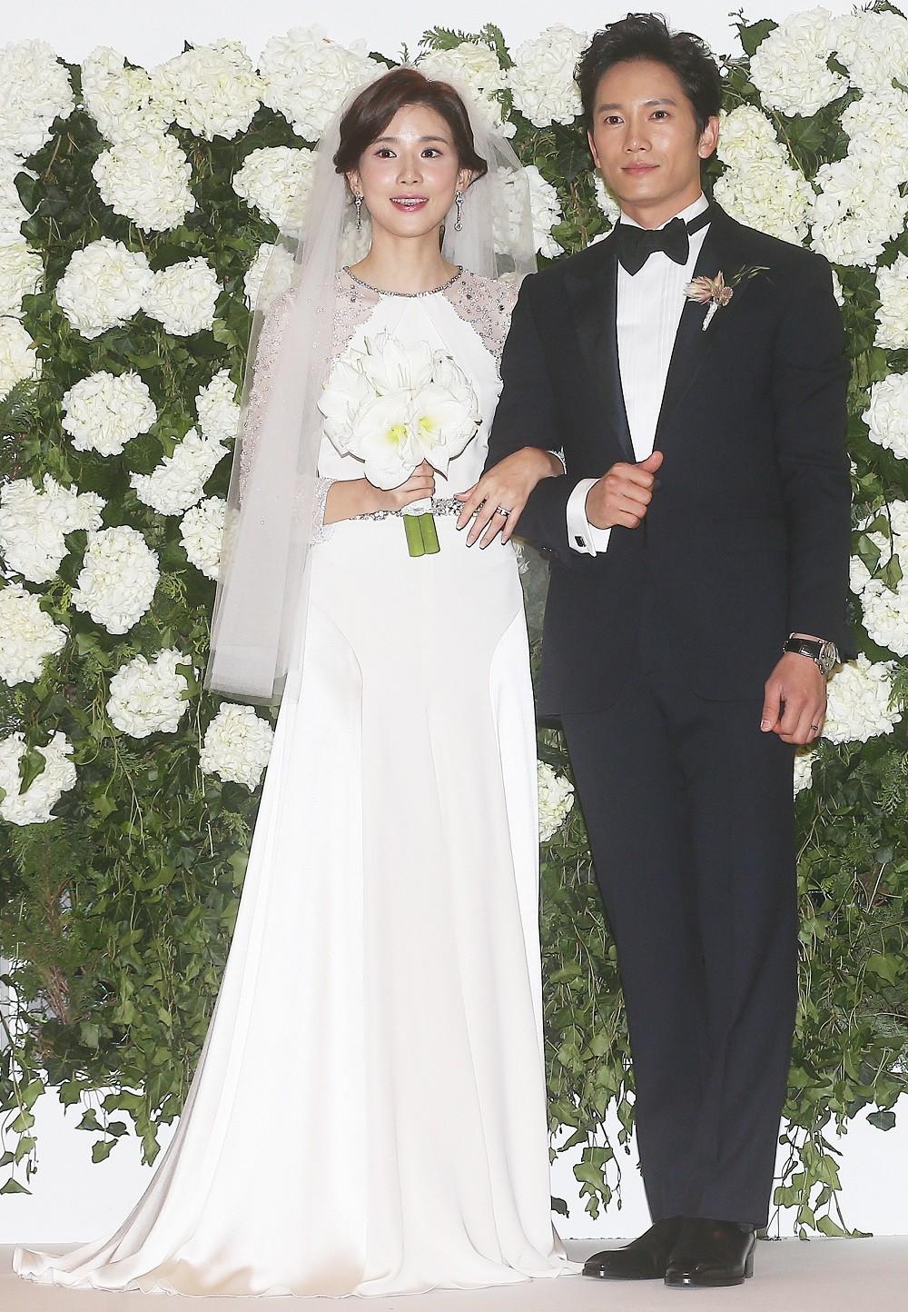 Ji Sung-Lee Bo Young Çifti Doğacak Bebekleri İçin Parti Düzenledi /// 30 Nisan 2015