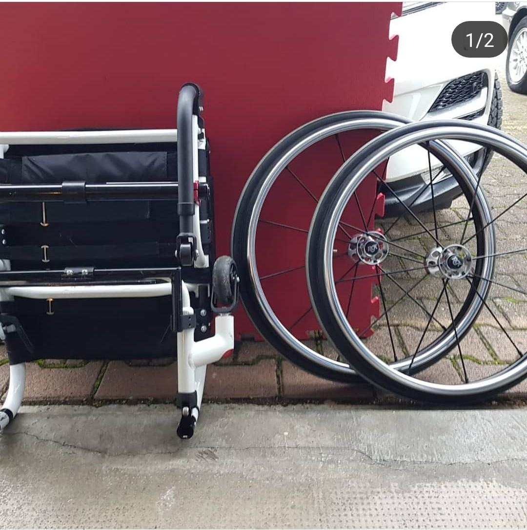 r04Q9P - RGK Tiga FX aktif tekerlekli sandalye satılıktır