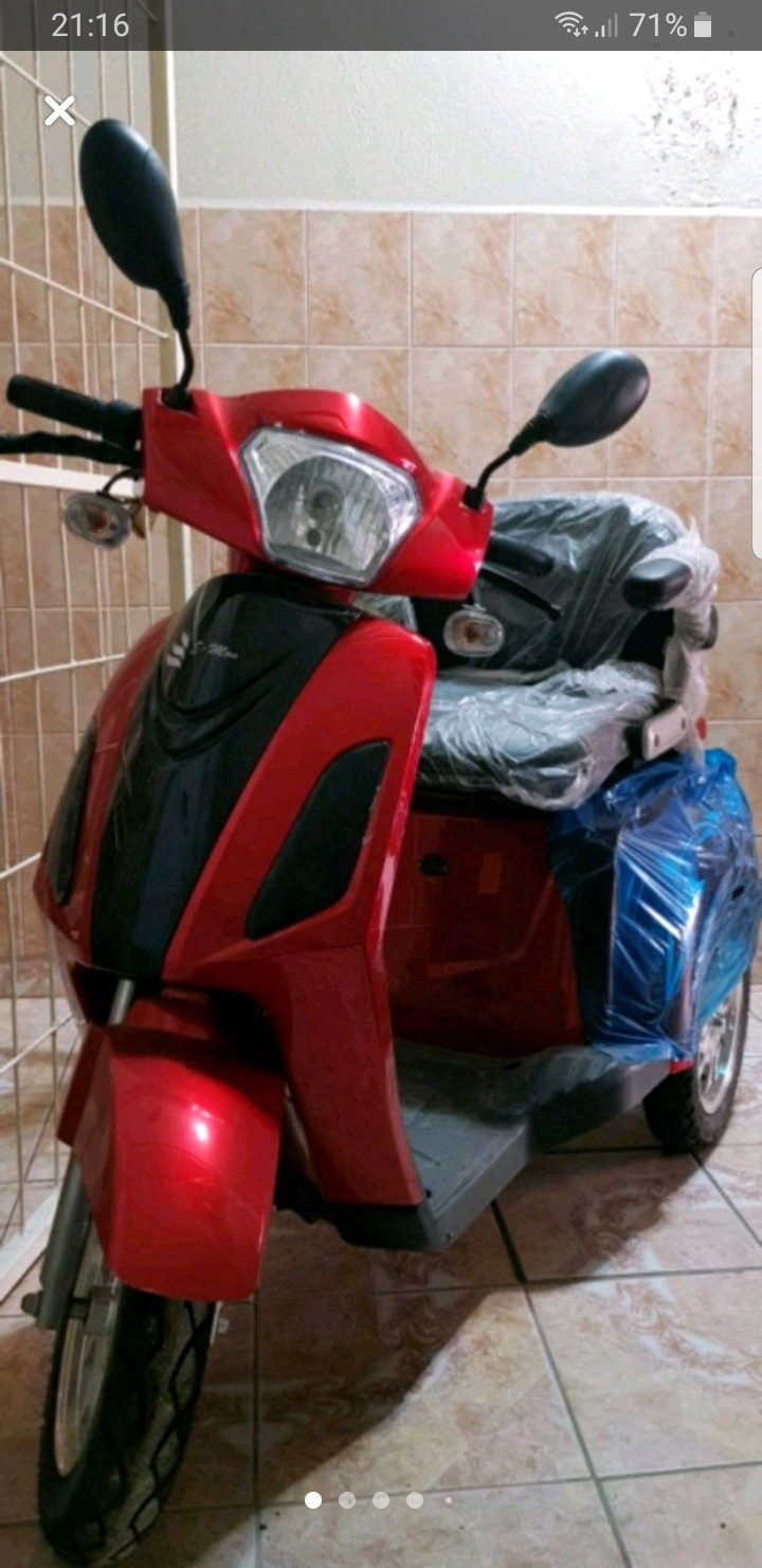 r0D7GM - Hiç kullanılmamış elektrikli motosiklet uygun fiyata verilecek.