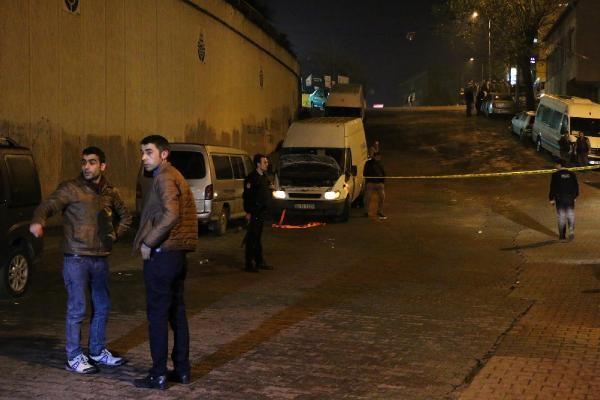 Polis, kendisini bıçaklayan saldırganı böyle vurdu..