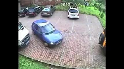 Gülme krizine sokan bayan sürücü