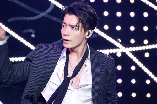 Donghae/동해 / Who is Donghae? VJWl9R
