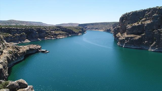 3 Ülkeye hayat veren Fırat Nehri