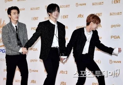 Super Junior General Photos (Super Junior Genel Fotoğrafları) - Sayfa 8 Y0A7RL