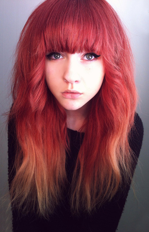Человек с красными волосами