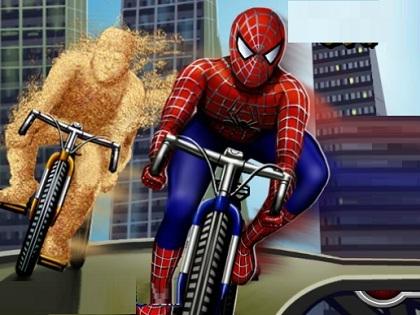 Spiderman Bisiklette Oyunu