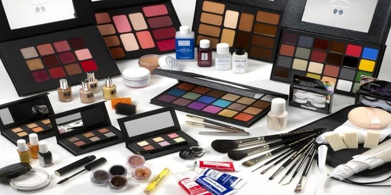 Названия и использование материалов для макияжа