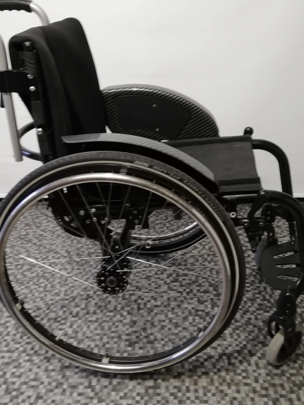 yGmMJy - Berollka Cobra Spor Alman markası aktif tekerlekli sandalye satılıktır