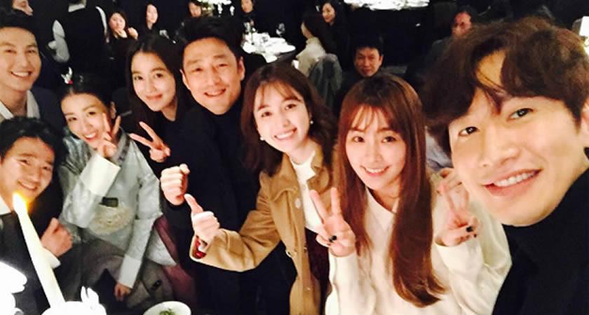 """""""Dong Yi"""" Dizisinin Oyuncuları Park Ha-Sun'un Düğün Törenine Katıldı"""